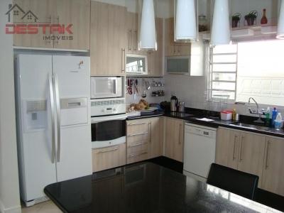 Casa / de 3 dormitórios à venda em Jardim Ermida Ii, Jundiai - SP