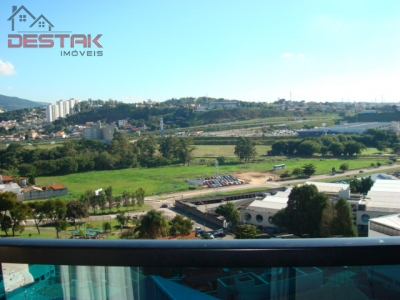 Apartamento / de 3 dormitórios à venda em Parque Do Colégio, Jundiai - SP
