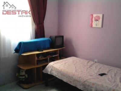 Casa / de 3 dormitórios à venda em Vila Cristo, Jundiai - SP