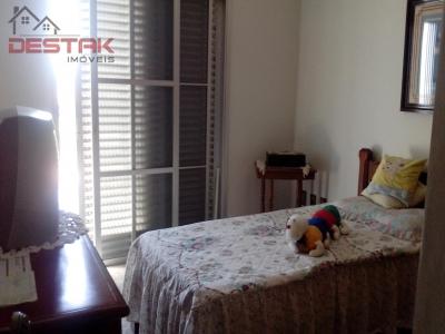 Casa / de 4 dormitórios à venda em Jardim Paulista, Jundiaí - SP