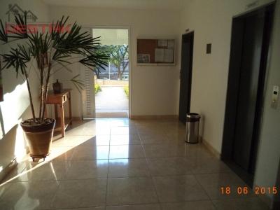 Apartamento / de 3 dormitórios em Anhangabaú, Jundiai - SP
