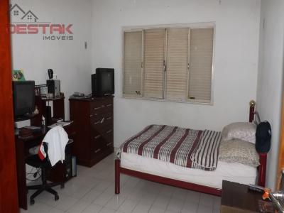 Casa / de 3 dormitórios à venda em Agapeama, Jundiai - SP