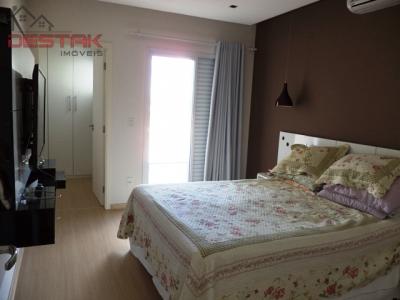 Casa / de 3 dormitórios em Ibi Aram, Itupeva - SP
