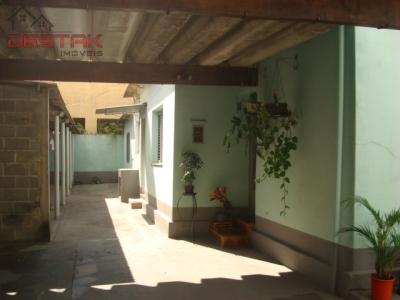 Casa / de 3 dormitórios à venda em Jardim Cica, Jundiai - SP