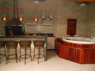 Casa / de 4 dormitórios à venda em Vila Rami, Jundiai - SP