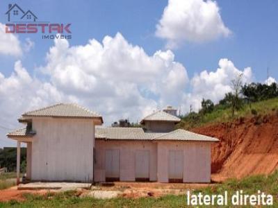 Casa / de 4 dormitórios à venda em Tarumã, Jundiai - SP