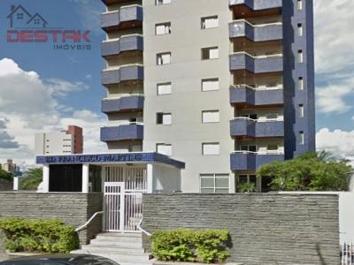 Apartamento / de 3 dormitórios em Vianelo, Jundiai - SP