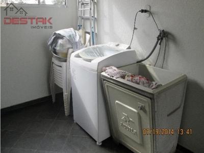 Casa / de 3 dormitórios à venda em Eloy Chaves Ii, Jundiai - SP