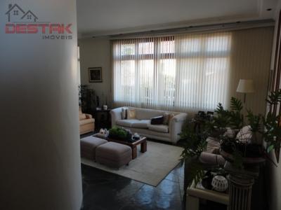 Casa / de 4 dormitórios em Jardim Paulista I, Jundiai - SP