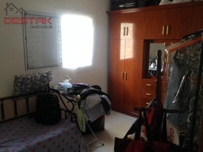 Casa / de 3 dormitórios à venda em Parque Dos Pinheiros, Polvilho - SP