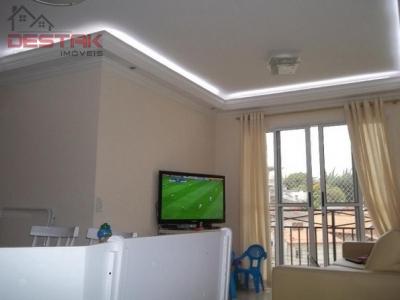 Apartamento / de 2 dormitórios à venda em Vila Nova Esperia, Jundiai - SP