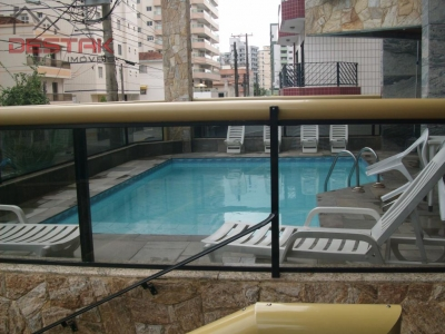 Apartamento / de 2 dormitórios à venda em Vila Tupy, Praia Grande - SP