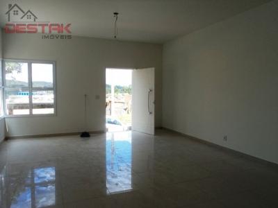 Casa / de 3 dormitórios à venda em Rainha, Louveira - SP