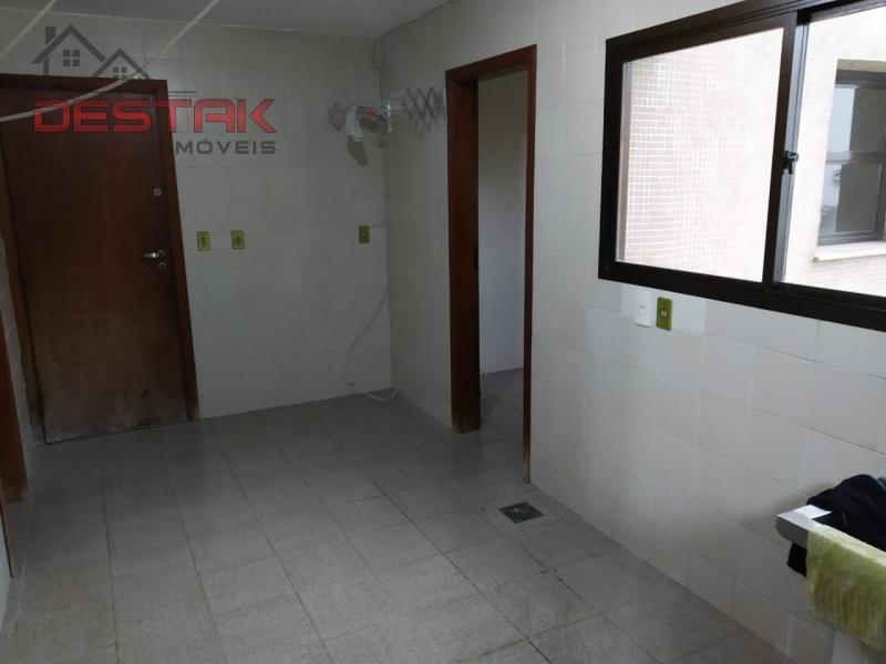 Apartamento / de 3 dormitórios à venda em Anhangabaú, Jundiaí - SP