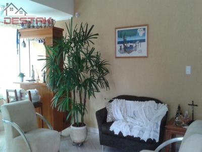 Casa / de 2 dormitórios à venda em Jardim Pacaembu, Jundiaí - SP