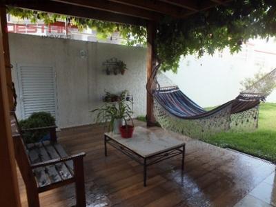 Casa / de 4 dormitórios em Centro, Itupeva - SP