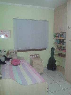 Casa / de 4 dormitórios à venda em Vila Galvão, Jundiai - SP