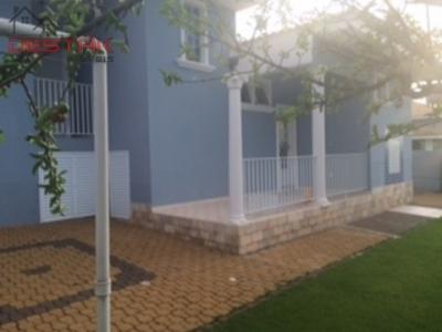 Casa / de 4 dormitórios à venda em Caxambu, Jundiai - SP