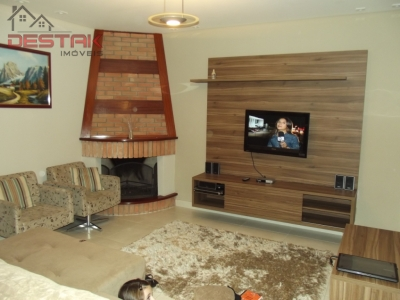 Casa / de 3 dormitórios à venda em Jardim Do Lago, Jundiai - SP