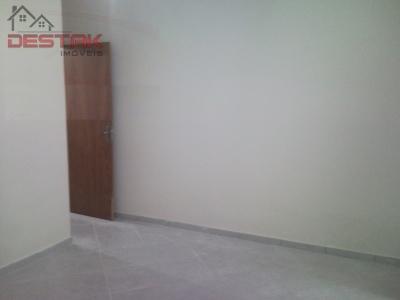 Casa / de 2 dormitórios em Jardim Novo Mundo, Varzea Paulista - SP