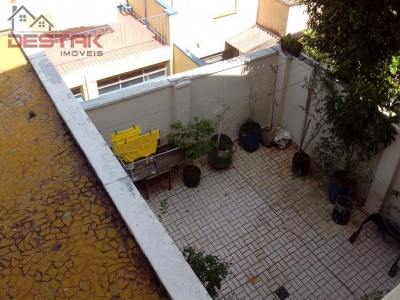 Casa / de 2 dormitórios à venda em Centro, Jundiai - SP