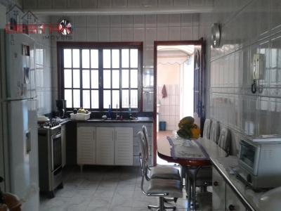 Casa / de 3 dormitórios em Jardim Planalto, Jundiai - SP