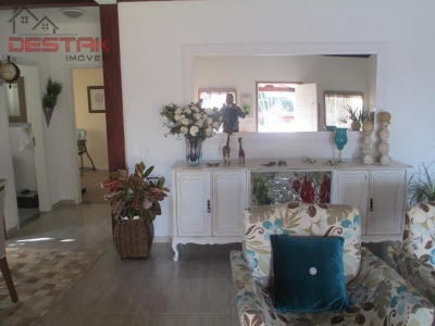 Casa / de 6 dormitórios à venda em Cafezal, Itupeva - SP