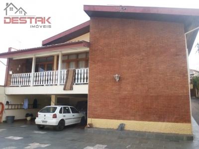 Casa / de 5 dormitórios em Jd Bizarro, Jundiai - SP