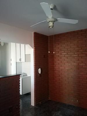 Apartamento / de 2 dormitórios à venda em Ponte De São João, Jundiai - SP