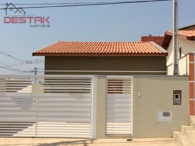 Casa / de 3 dormitórios à venda em Jardim Pacaembu Ii, Itupeva - SP