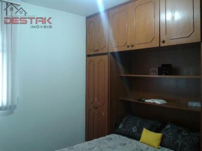 Apartamento / de 3 dormitórios à venda em Jardim Santa Teresa, Jundiai - SP