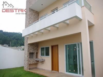Casa / de 3 dormitórios em Centro, Itupeva - SP