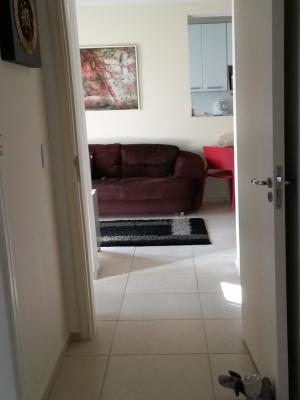 Apartamento / de 2 dormitórios à venda em Vl Della Piazza, Jundiai - SP