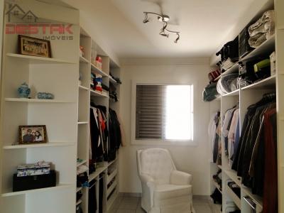 Apartamento / de 3 dormitórios em Pq Da Represa, Jundiai - SP