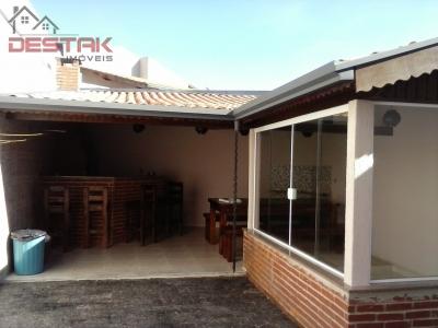 Casa / de 3 dormitórios em Parque Cidade Jardim Ii, Jundiai - SP