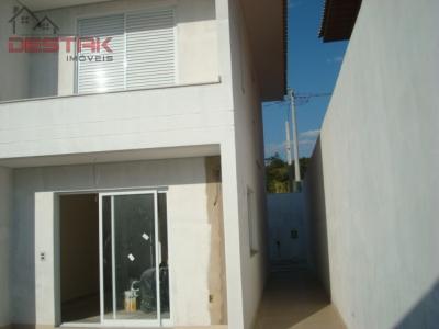 Casa / de 3 dormitórios em Engordadouro, Jundiai - SP