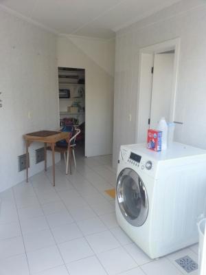 Casa / de 4 dormitórios em Jardim Ana Maria, Jundiai - SP