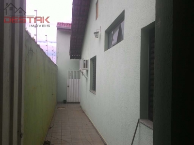 Casa / de 3 dormitórios em Vila Progresso, Jundiai - SP