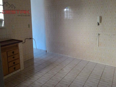 Casa / de 2 dormitórios à venda em Vila Liberdade, Jundiai - SP