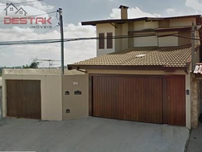 Casa / de 3 dormitórios em Jardim Roma, Jundiai - SP