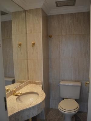 Apartamento / de 3 dormitórios à venda em Vl Rica, Jundiai - SP