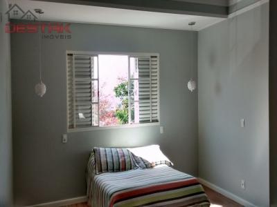 Casa / de 3 dormitórios à venda em Eloy Chaves, Jundiai - SP