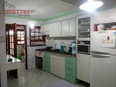Casa / de 4 dormitórios à venda em Jd Messina, Jundiai - SP