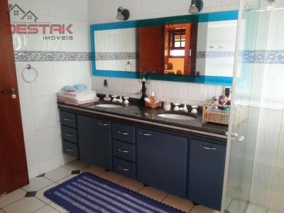 Casa / de 4 dormitórios à venda em Jardim Messina, Jundiai - SP