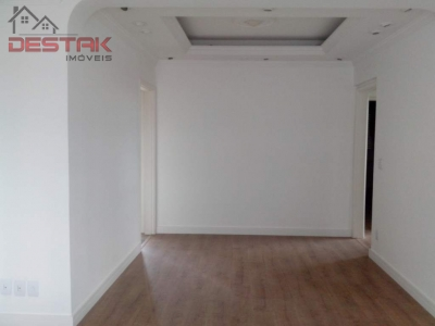 Apartamento / de 3 dormitórios em Vila Viotto, Jundiai - SP
