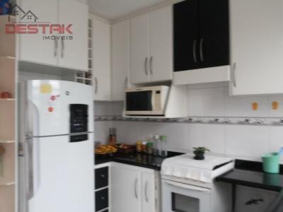 Casa / de 3 dormitórios em Horto Santo Antonio, Jundiai - SP