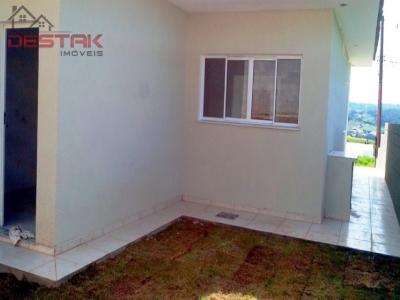 Casa / de 3 dormitórios à venda em Vila Nova, Louveira - SP