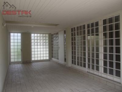 Casa / de 3 dormitórios à venda em Parque Do Colégio, Jundiai - SP