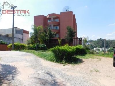 Apartamento / de 2 dormitórios à venda em Colônia, Jundiaí - SP