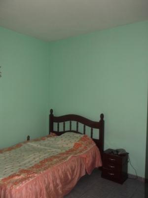 Casa / de 3 dormitórios em Jardim Do Lago, Jundiai - SP